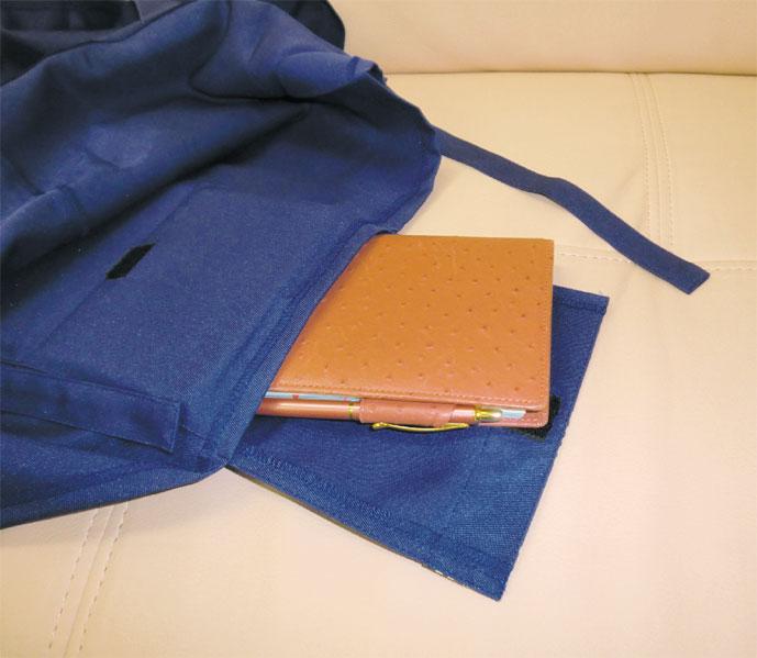 防災頭巾の頭部のポケット