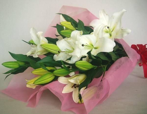 ht-0045 ホワイト大輪ユリ花束