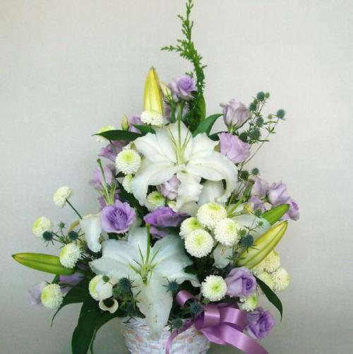 商品名:o-0083 淡い紫をポイントにお通夜(枕花)・祥月命日・初盆など如何ですか:7.350円[税込]