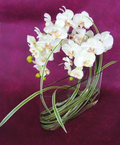 商品名:y-0001 造花です。ガラスの花器に固定してます。お店のディスプレーに!:18.900[税込]