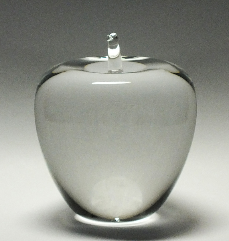 名入り彫刻クリスタルリンゴ