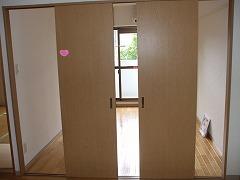 キヨミズキャンパス 南側洋室4枚扉 開けた状態