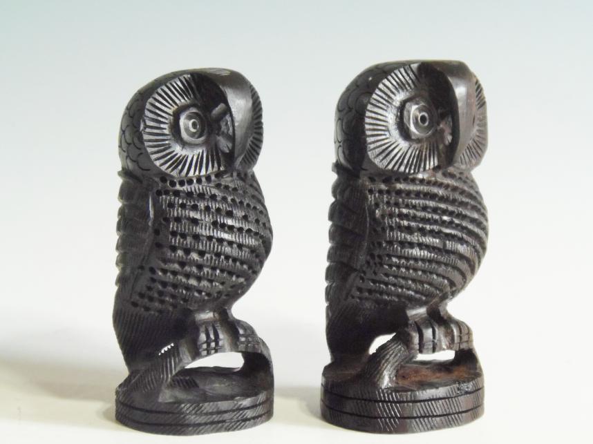 木彫りフクロウ黒檀